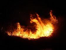 梦见自己房子着火了_梦见着火是什么意思,征兆_周公解梦
