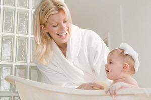 梦见给婴儿洗澡